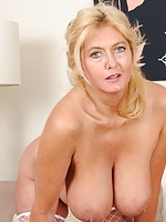 natural blonde milf clips